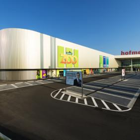Budynek centrum handlowego Hofmeister