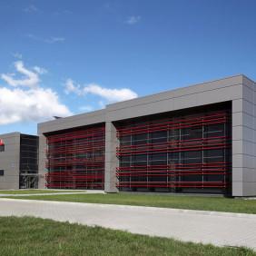 Budynek biurowo - socjalny i hala Meta-Zel
